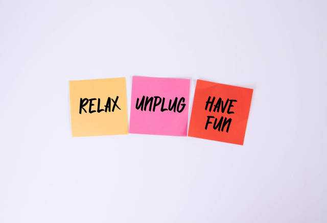 Relax, Unplug, Have Fun - sticky notes set