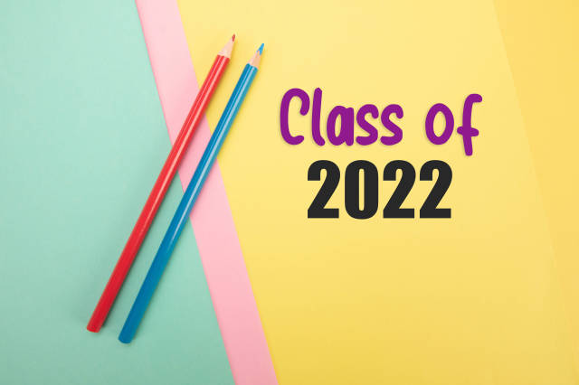 Red and blue pencil with Class of 2022 text